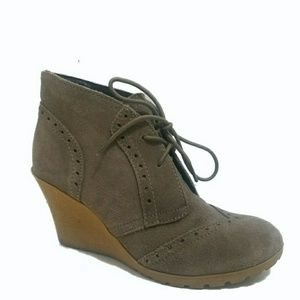 MIA Pampa Gray Suede Wedge Ankle Boots Sz 7.5